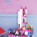 Πρόταση απασχόλησης: ένα κάστρο από χαρτόνι.